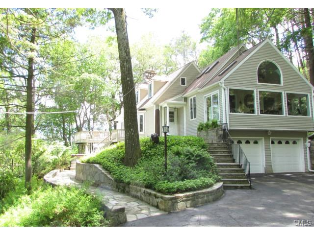 24 WOODS ROAD, NEW FAIRFIELD, CT 06812