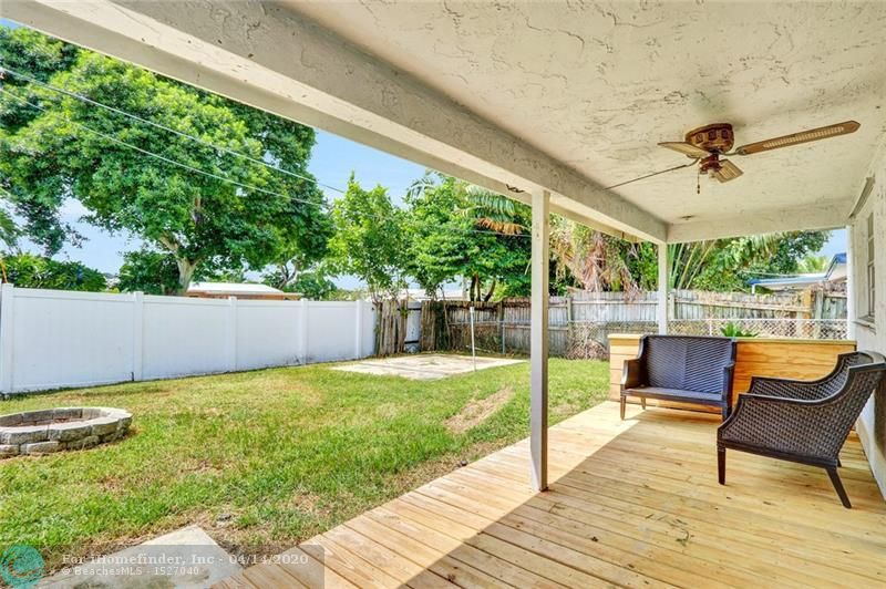 270 NW 46th Street