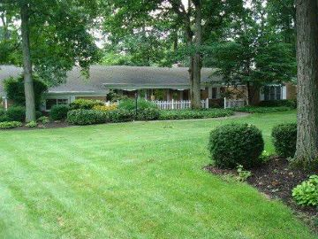 3335 MARCHESTER DR, MAUMEE, OH 43537