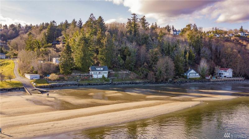 Waterfront Homes: Listing Report | Thelma Channon, Gig