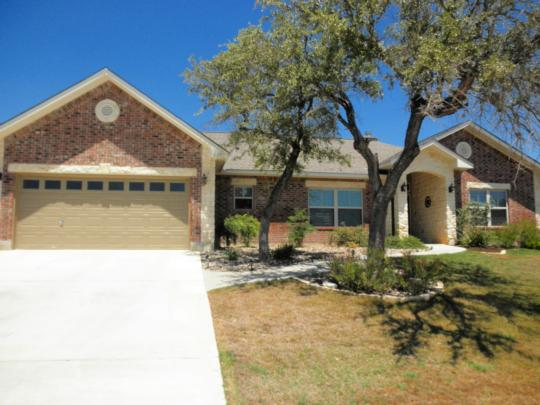 620 OAK VALLEY DR, KERRVILLE, TX 78028