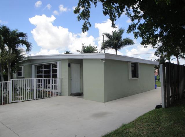803 HIBISCUS DRIVE, ROYAL PALM BEACH, FL 33411  Photo 4