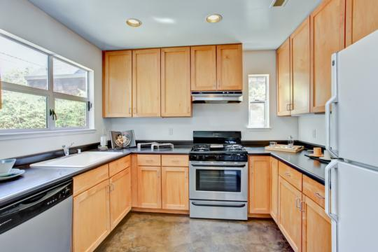 5845 LAWTON AVE, OAKLAND, CA 94618  Photo 8