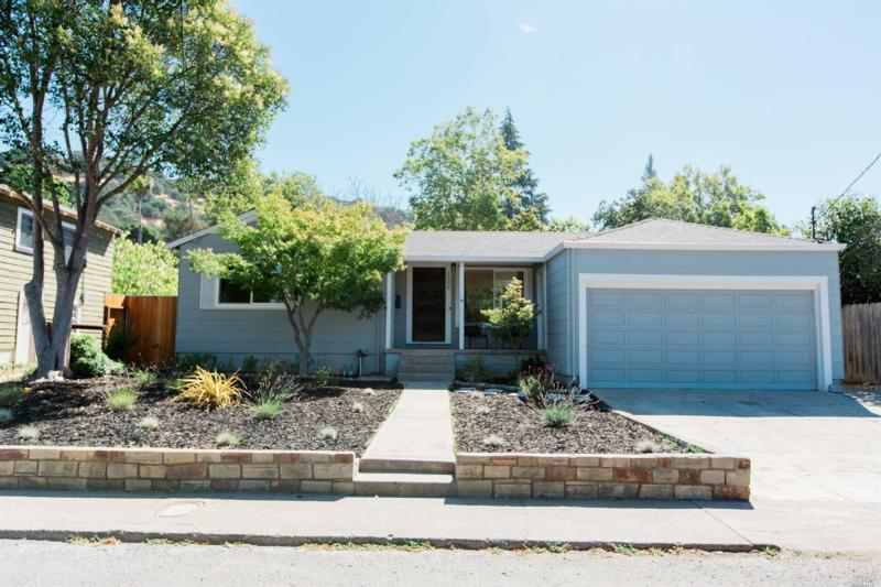 1506 BANKS AVENUE, NAPA, CA 94559
