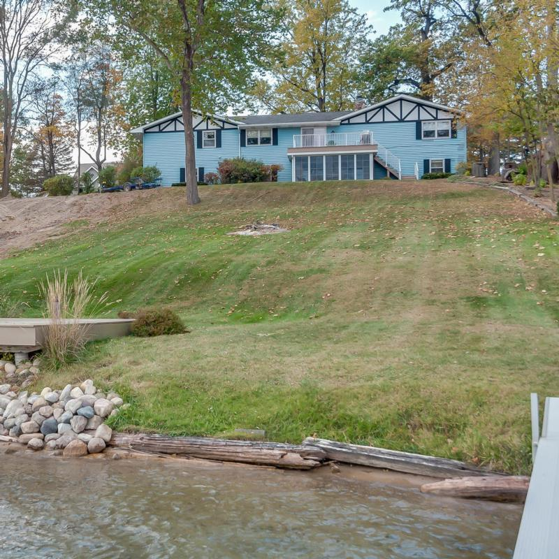 70163 hilltop dr union mi 49130 the lake life realty group