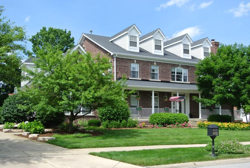 Single Family Home for Sale at Wheaton, IL Wheaton, Illinois,60189 United States