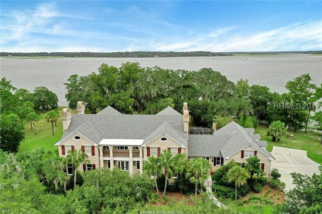 17 Belfair Point, Bluffton, SC, Book Shelves,Built-Ins,Cathedral Ceilings,Ceiling Fan(s),Window Treatments,Elevator,Intercom,Jetted Tub,Many Closets,Network Wiring,Security Sys,Smooth Ceilings,Tray Ceiling,Water Purifier,Water Soft Equipment, Rose Hill Home For Sale